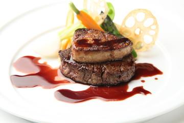 週末お家レストランオープン!お取り寄せ食材で憧れのロッシーニ風ステーキを手作りしました。